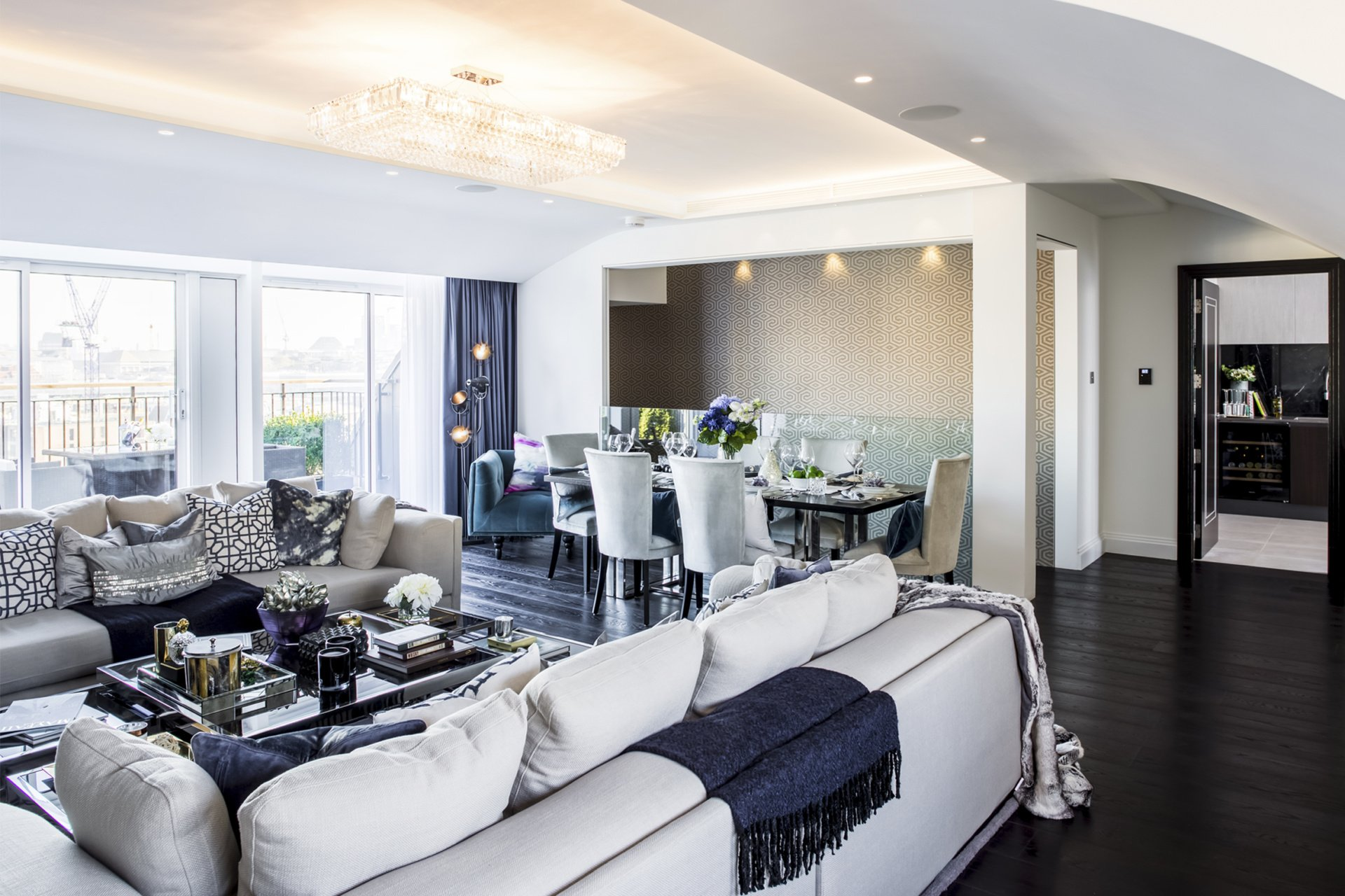 St James Park Westminster SW1H Penthouse alterations and refurbishment Living and dining area St James Park, Westminster SW1H | Penthouse alterations and refurbishment